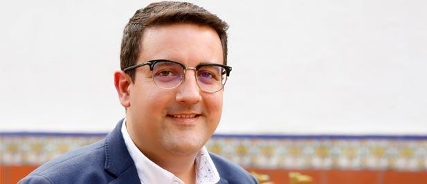 Adrián Casabó, vicesecretario de Educación del PPCS, exige a Puig que agilice el pago a las familias con la misma celeridad con la que da subvenciones a su hermano
