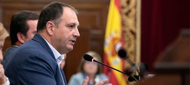 """Salvador Aguilella, diputado provincial del PP, lamenta que """"en un momento económico crítico para las familias, la gestión está en manos de partidos que no quieren trabajar"""""""