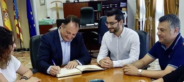 Mateo ha celebrado que L' Alcora va a ahorrar este año 30.000 euros gracias a la rebaja de un 20% del importe que cobra Diputación por la gestión de tributos.