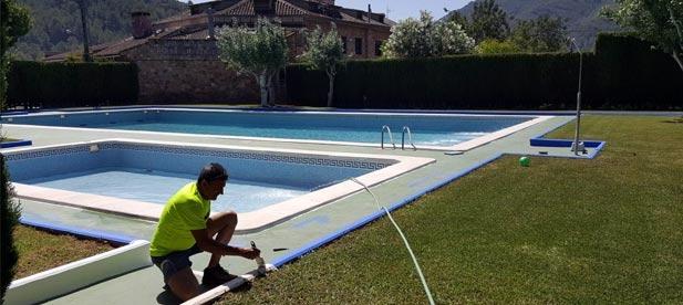Alfondeguilla da la bienvenida al verano con la apertura de la piscina municipal.