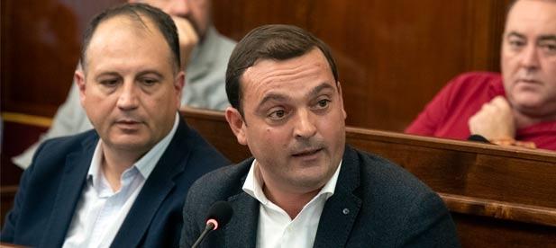 El diputado provincial Andrés Martínez acusa a Martí (PSPV) de convertir la Diputación en el cajero automático del que Puig saca dinero a costa de los bolsillos de los vecinos