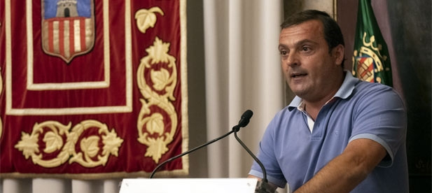 """Martínez: """"Puig ha despedido a 563 sanitarios, nos ha colocado a la cola en la vacunación de jóvenes y ha cerrado negocios. Y ahora, la incompetencia del PSOE, la paga el turismo con un toque de queda que nos arruina"""""""