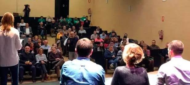 La Asamblea Ciudadana logró reunir un centenar de personas, con muchas críticas y pocos anuncios