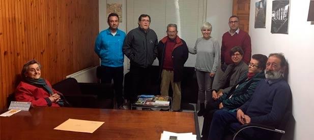 La secretaria general del PPCS Elena Vicente-Ruiz, ha asistido a la renovación de las juntas locales de Tírig donde repite Juan José Carreres como presidente local de la población.