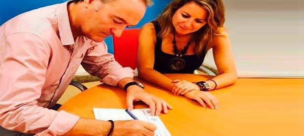 """Carrasco continúa con la recogida de avales para optar a la reelección que se dirimirá bajo la fórmula """"un afiliado, un voto"""""""
