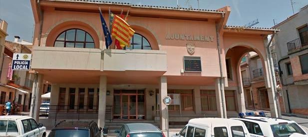 El ayuntamiento sigue sin abonar las subvenciones, vitales para la subsistencia de muchos negocios, pese a que ingresó hace meses los fondos de la Generalitat y de la Diputación de Castellón.