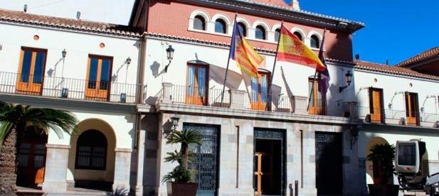 El Ayuntamiento de Nules aprobó ayer por mayoría la moción presentada por el PP en defensa del Estado de Derecho y en contra de la deriva independentista forzada en Cataluña por una minoría de grupos políticos.