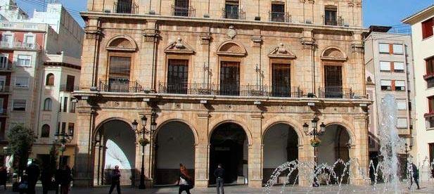 """Carrasco denuncia que """"el equipo de gobierno municipal siga en la Fase 0"""". """"Los vecinos que se han desplazado hasta las dependencias municipales denuncian que la puerta sigue cerrada, como ocurre también por ejemplo con la puerta de la Basílica del Lledó"""""""