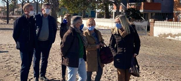Los populares visitan Almenara donde el temporal del fin de semana ha vuelto a evidenciar la necesidad de una inversión global para la costa sur