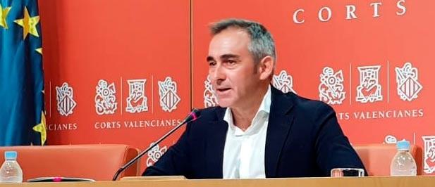 """Barrachina: """"No es posible que tengamos un President de la Generalitat que disfruta de 116 asesores y que se dedique a criticar a Díaz Ayuso por bajar los impuestos a los madrileños"""""""