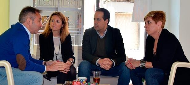 La secretaria general del PPCS, Elena Vicente-Ruiz, asegura que las reformas del Gobierno de España benefician la creación de empleo
