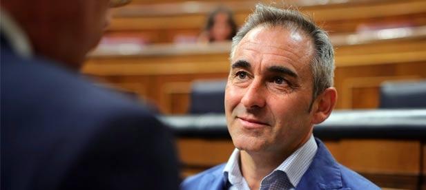"""Barrachina: """"Ximo Puig ha confundido el 9 d'Octubre con la Navidad y se ha creído que es Papá Noel"""""""