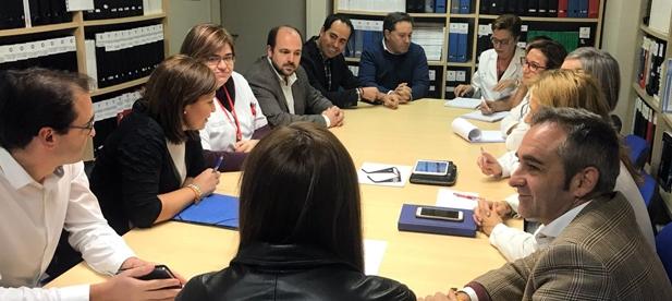 """Barrachina ha lamentado que """"jugar con la sanidad es algo muy grave"""" y ha advertido que """"las únicas prioridades que tienen desde PSOE y Compromís son adoctrinar en las aulas y intentar controlar los medios de comunicación"""""""