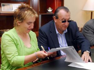 Carlos Fabra, se comprometió a aportar 24.351 euros para costear la totalidad de las obras de impermeabilización de la cubierta del Museo municipal de Etnología y Arqueología de Bejís.