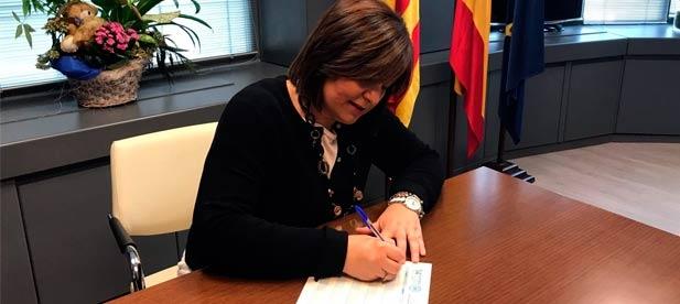 La presidenta del PPCV, Isabel Bonig, ha avalado hoy la candidatura de Miguel Barrachina para presidir el PP de Castellón