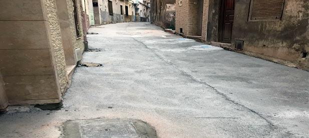 """El 'Desacord de Progrés"""" olvidó repavimentar con hormigón la plaza El Pati."""
