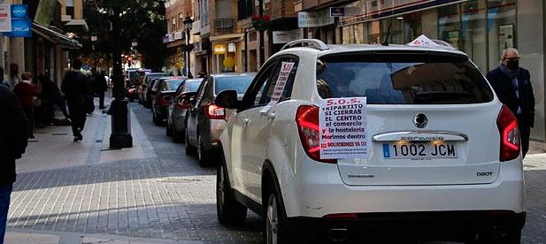 El comercio, la hostelería, las personas con movilidad reducida o las empresas de servicios. Hay familias que han llegado a acumular 4.000 euros en multas.
