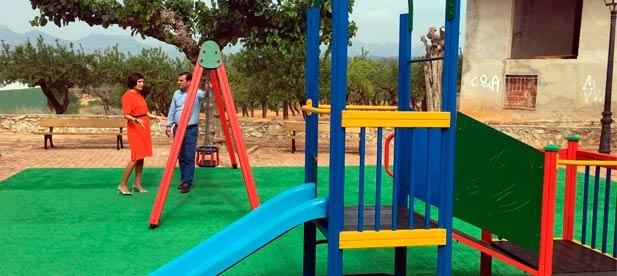 L'alcaldessa, Mª Ángeles Pallarés, i el vicepresident provincial, Andrés Martínez, han visitat les obres.