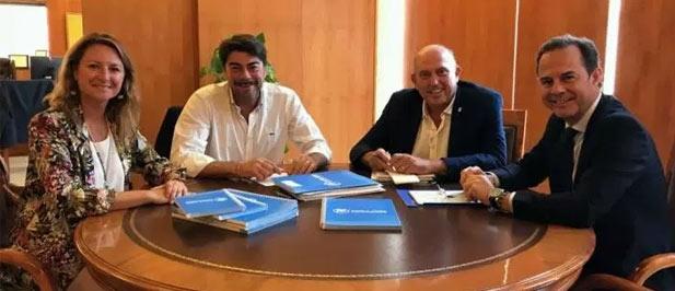 Carrasco se reúne con el alcalde de Alicante para intercambiar modelos que permitan bajar los impuestos