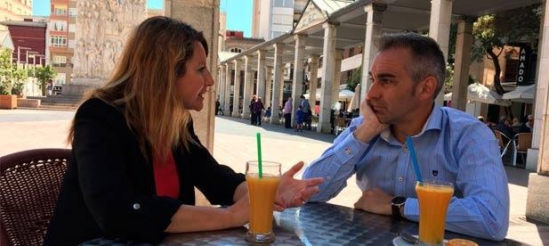 El candidato a presidir el PP de Castellón, Miguel Barrachina, ha mantenido hoy una reunión con la presidenta del PP de Castellón ciudad, Begoña Carrasco.