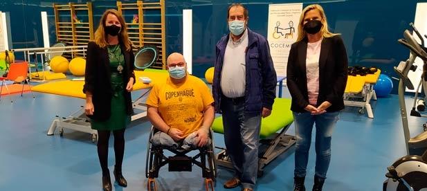 Tras mantener una reunión con COCEMFE Castellón, su presidente advierte del problema que supone para las personas con movilidad reducida no poder acceder con sus vehículos al centro para acudir a una urgencia médica o para realizar cualquier trámite