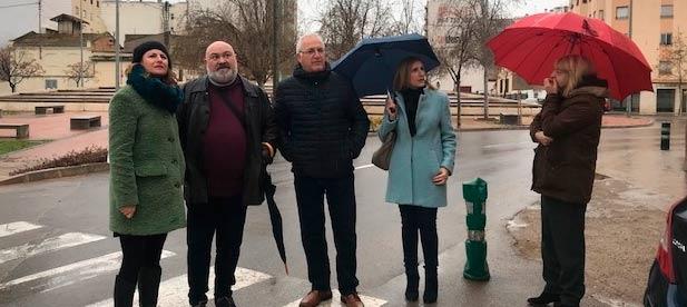 """Carrasco: """"Urge la reparación de aceras, asfaltado en las calles y una adecuación de la plaza Donoso Cortés que mejore su accesibilidad"""""""