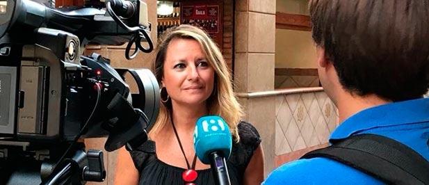 """Anima a que todos los castellonenses pongan sus banderas de España en el balcón, sumándose a la campaña del PP nacional como """"seña de identidad que nos une y nos representa a todos""""."""