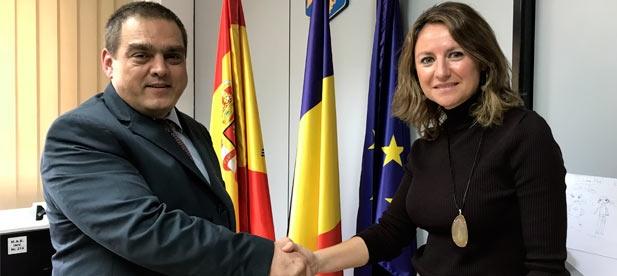 Traslada al ministro plenipotenciario de Rumanía Dragos Tigau un mensaje de afecto a los 20.000 ciudadanos que residen en Castellón con motivo del Día Nacional de Rumanía, hoy, y la conmemoración del Centenario de la Gran Unión del país.