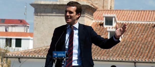 """Casado ha señalado que el PP pondrá la """"alfombra roja al emprendimiento"""", con menos impuestos y un plazo de cinco días máximo para crear una empresa."""