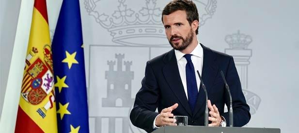 Pablo Casado comparece en el palacio de La Moncloa tras reunirse con Pedro Sánchez