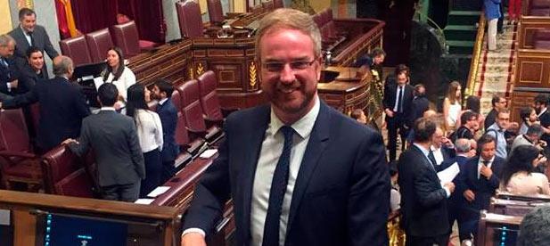 """Clavell ha tachado de """"oportunismo político"""" que Artemi Rallo aproveche su cargo como profesor en la UJI para hacer política en la universidad."""