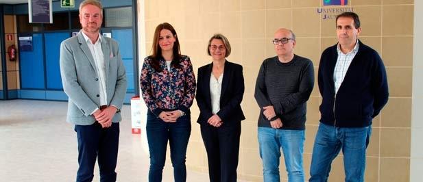 El candidato número uno al Congreso de los Diputados, Óscar Clavell, y la candidata a Les Corts, Beatriz Gascó, han mantenido una reunión con Eva Halcón, Rectora de la UJI