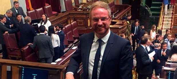 Clavell ha contrapuesto el trabajo y esfuerzo del PP en el Gobierno de España frente a las estériles legislaturas del Partido Socialista.