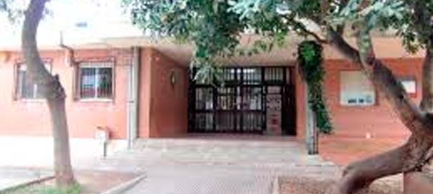 La AMPA del colegio Leonardo Mingarro de la Vall d'Uixó, harta de los desprecios de la alcaldesa y de la concejal de Educación incapaces de atender sus quejas