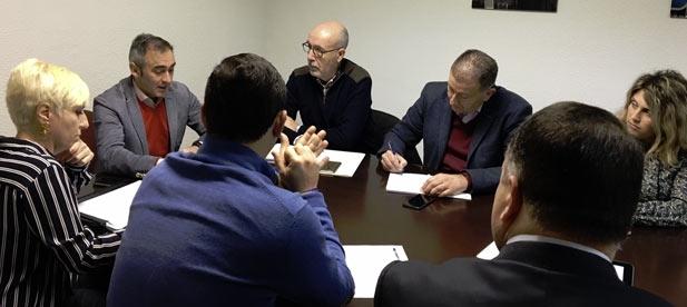 """Barrachina: """"En el PP estamos unidos por la creación de empleo, la defensa de Castellón y por la llegada de infraestructuras útiles frente a las peleas internas de los otros"""""""