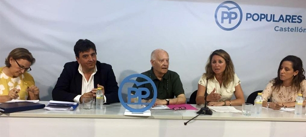 El PP de Castellón organizó la conferencia en la víspera del 40 aniversario de las primeras Elecciones Generales tras las que Joaquín Farnós salió elegido senador por la provincia de Castellón