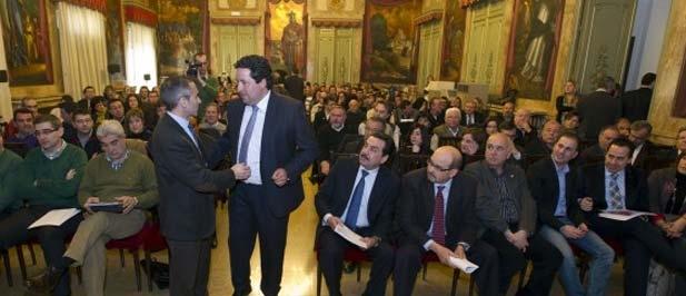 """Barrachina: """"La Central de Contratación ha permitido a los ayuntamientos ahorrar 11 millones de euros en un año"""""""