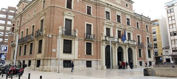 Los populares presentan una moción en la Diputación para que se arbitren compensaciones y se permita el uso de fitosanitarios eficaces contra la plaga