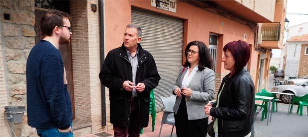 """Miguel Clemente, portavoz del PP, defiende """"la necesidad de escuchar al pueblo"""" frente a una alcaldesa """"que con su decisión unilateral ha abierto la puerta a la despoblación"""""""