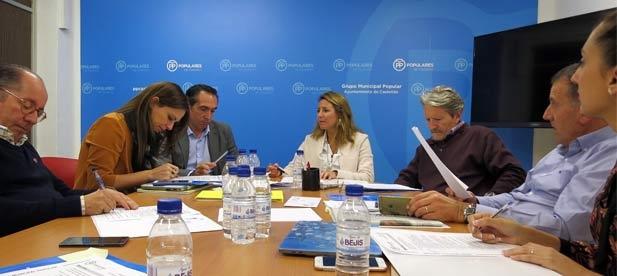 """La reunión con los diputados autonómicos ultima las propuestas de mejora en materia educativa, sanitaria, social, cultural y urbanística"""""""