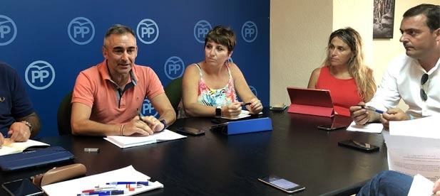 """Barrachina: """"El PP somos el muro de contención ante los constantes recortes y bloqueos de la izquierda a la provincia"""""""
