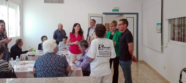 La diputada de Acción Social, Elena Vicente-Ruiz, ha visitado esta mañana la Unidad de Respiro del municipio de Altur