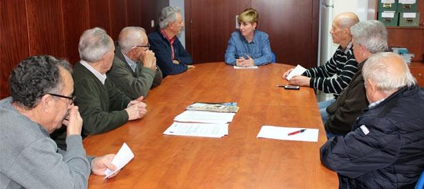 """Vicente-Ruiz ha pedido a la alcaldesa Tania Baños que """"recapacite, rectifique, cambie de postura y piense en las necesidades de los jubilados y pensionistas de La Vallense porque es el momento de consensos""""."""
