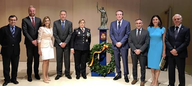 """Barrachina: """"Nuestros policías desarrollan su labor con extraordinaria profesionalidad y con su trabajo han contribuido a lo largo de los años a hacer de España una de las democracias más seguras""""."""