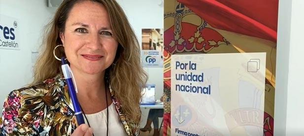La portavoz del PP en el Ayuntamiento de Castellón invita a que firmes contra Pedro Sánchez.
