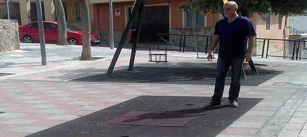 El Partido Popular de la Vall d'Uixó ha exigido al gobierno tripartito de PSOE, Esquerra Unida y Compromís que invierta en la mejora, adecuación e incremento de la seguridad de los parques infantiles.