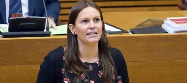 """Beatriz Gascó ha calificado como """"grave que la vicepresidenta Oltra diga que es una concentración para mantener privilegios evidenciando que no tiene ni idea de educación""""."""