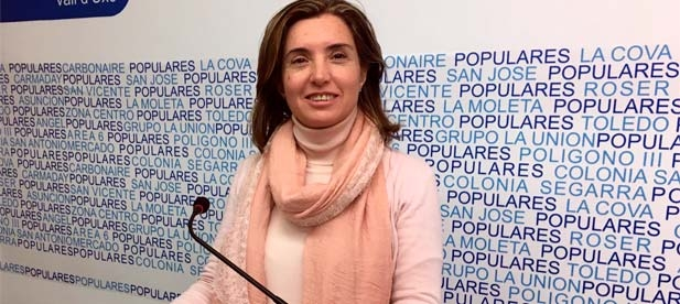 """Domínguez ha asegurado que lo que proponía el PP en su moción """"no era un capricho nuestro, sino que es una obligación de las administraciones públicas como señala la interventora en su informe"""""""