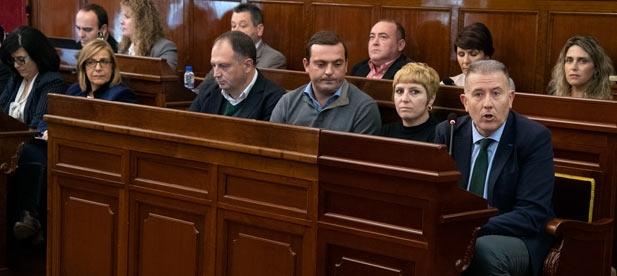 Martí modifica el evento sin comunicarlo a la oposición pese a que Moliner presentó la cita en Junta de Portavoces antes de elevar a pleno la aprobación de la convocatoria
