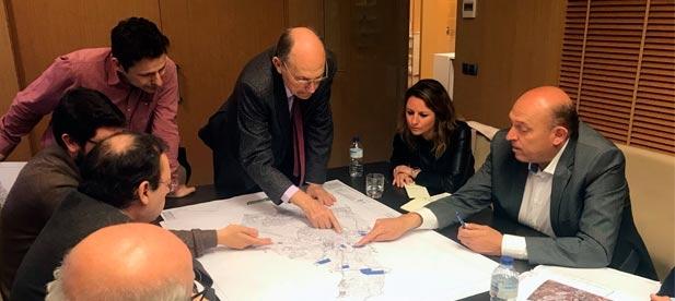 """Carrasco: """"Hemos analizado con el Colegio de Ingenieros Industriales la drástica reducción de suelo industrial que niega oportunidades de inversión en nuestra ciudad"""""""